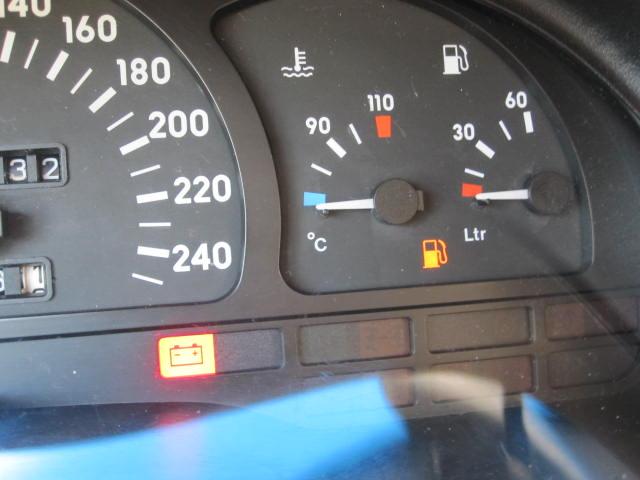 چه میزان می توان به حرکت ادامه داد با روشن شدن چراغ بنزین