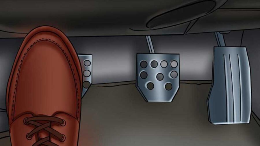 آیا گرفتن کلاچ پیش از استارت زدن خودرو لازم است؟